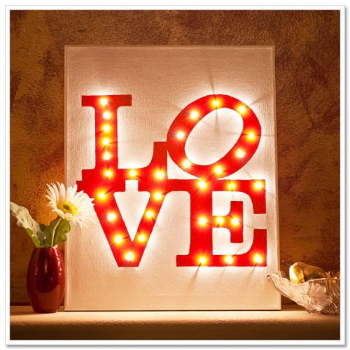 5 Cool DIY Valentine's Day Canvases
