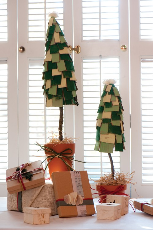 Cute DIY Cardboard Christmas Trees (via naturalhomeandgarden)