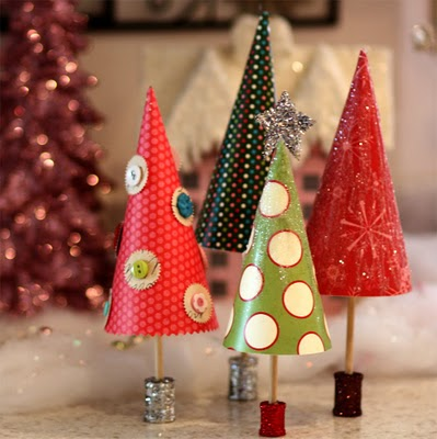 handmade paper christmas trees on spools via ellesstudio - Handmade Paper Christmas Decorations