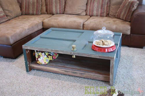 DIY Reclaimed Door Coffee Table (via killerbdesigns)