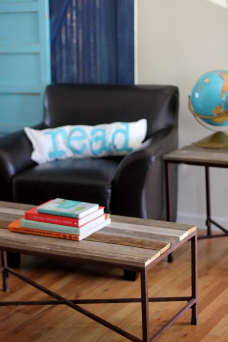 DIY Reclaimed Wood Coffee Table (via kojo-designs)