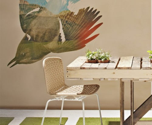 New DIY Recycled Palled Dining Table via shelterness