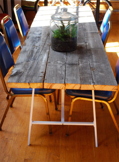 how to build a reclaimed wood dining table via apartmenttherapy