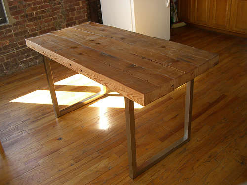 DIY Reclaimed Wood Working Table (via instructables)