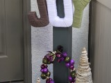 DIY JOY Holiday Yarn Sign