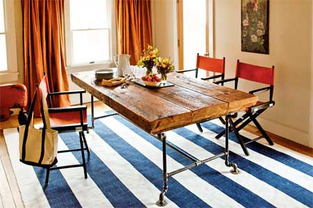DIY Reclaimed Beams And Pipes Dining Table