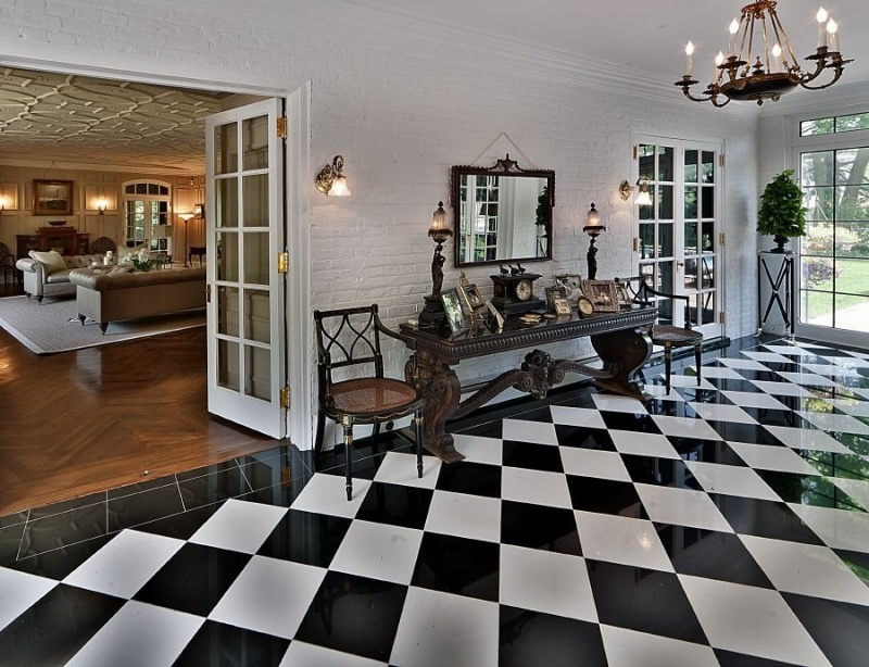 Picture Of Checkered Floors