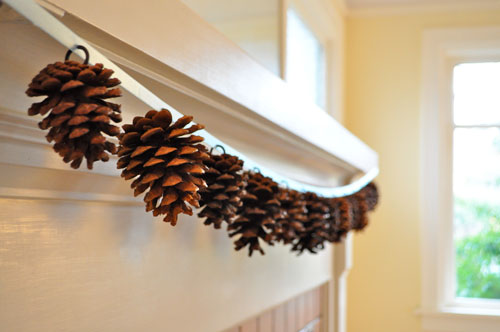 10 Cool Pinecone Garlands You Can Make By Yourself
