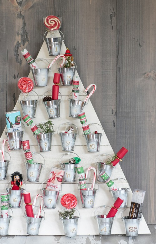 wooden board advent tree (via sugarandcharm)