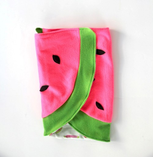 watermelon blanket (via shelterness)