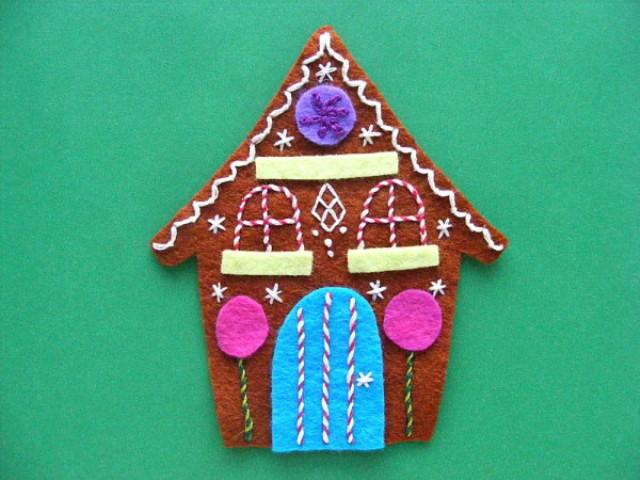 Picture Of adorable diy felt gingerbread ornament  5