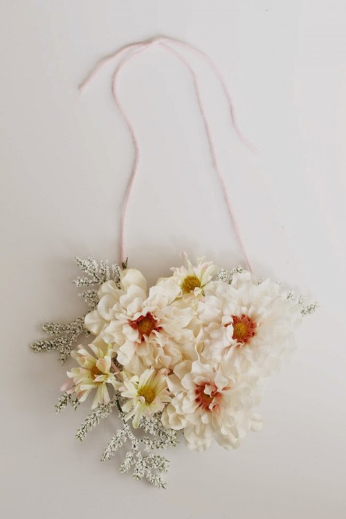 Adorable Diy Flower Necklace To Wear This Spring