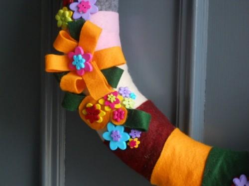 Adorable DIY Spring Felt Wreath