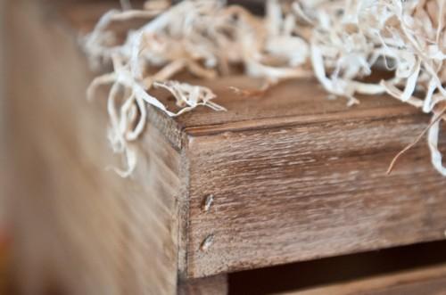 Aged Wood Tutorial (via commonplacebeauty)