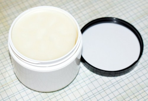 DIY lotion bar  (via )