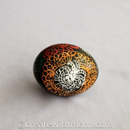 Ukrainian decorated Easter eggs (via createwithmom)