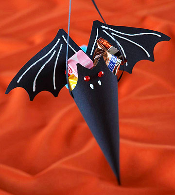 bat cone treat holder (via bhg)