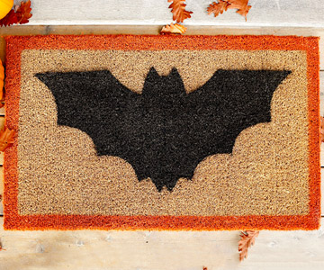 bat doormat (via bhg)