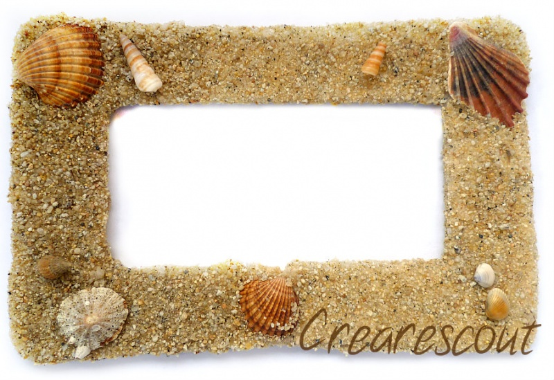 beach style photo frame with shells via crearescout