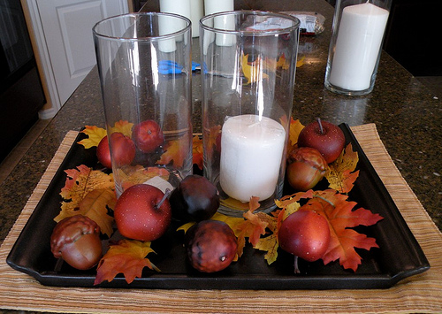 apples and candles centerpiece (via houseofhepworths)