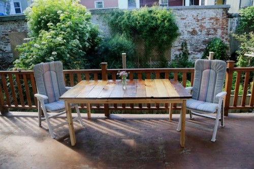 salvaged wood patio table (via sauvages)