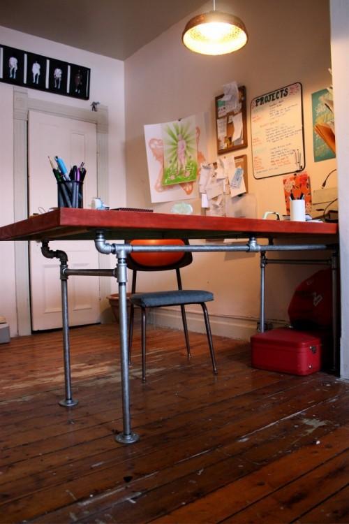 reclaimed wood industrial desk (via shelterness)