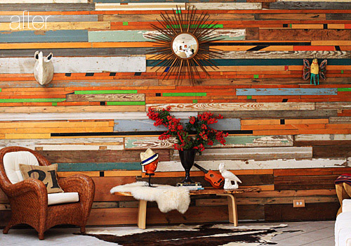 reclaimed wood wall (via shelterness)
