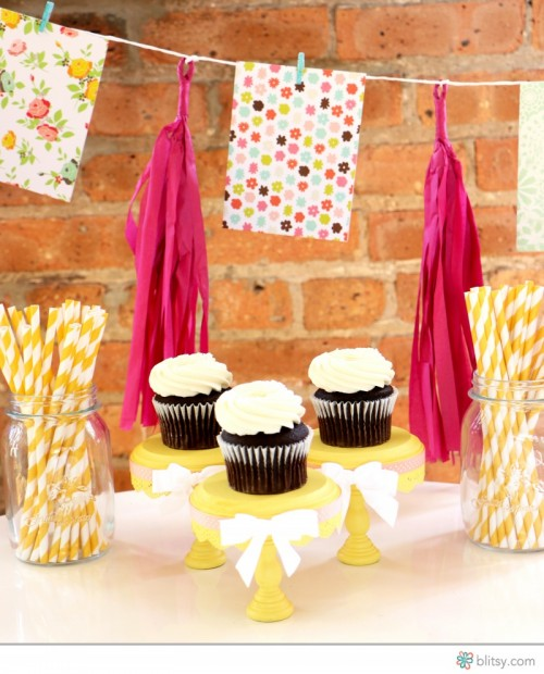 18 Amazing DIY Cupcake Stands From Various Materials