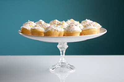 easy cupcake stand