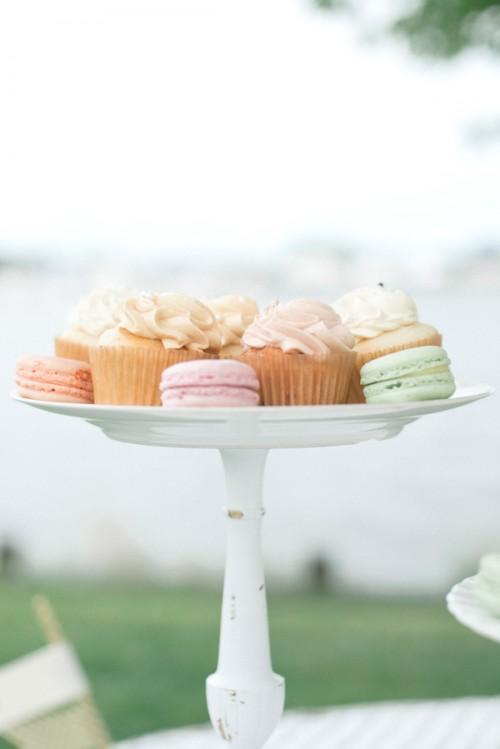candlestick cupcake stand (via baysidebride)