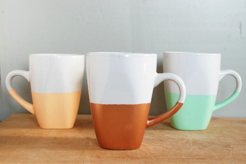 paint dipped mugs (via themerrythought)
