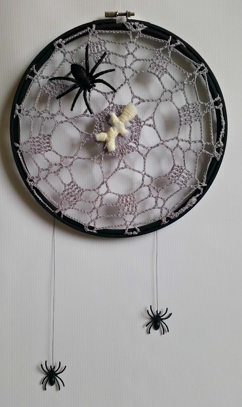 crawly crochet spider web doilies