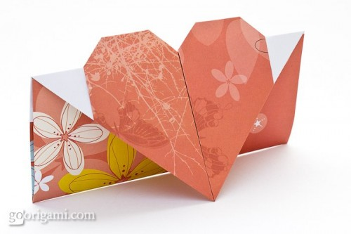 DIY origami heart card (via goorigami)