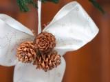 pinecone bow ornaments