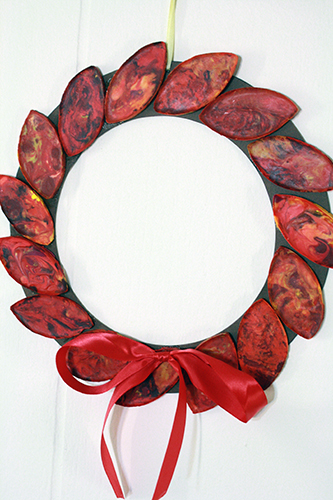 crayon leaf wreath (via tallystreasury)