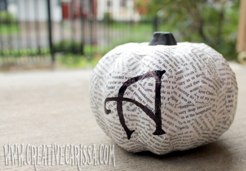 book page pumpkins (via creativegreenliving)
