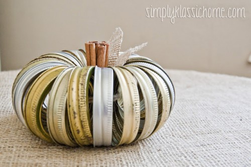 canning jar lid pumpkin (via yellowblissroad)
