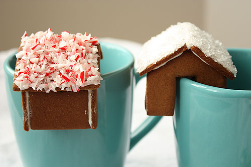 gingerbread house on the rim of your mug