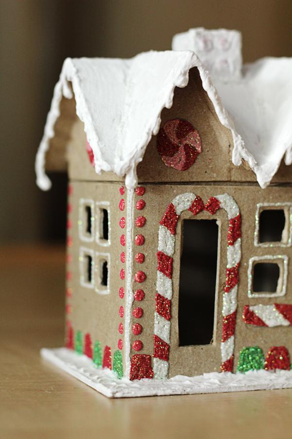DIY gingerbread gift box