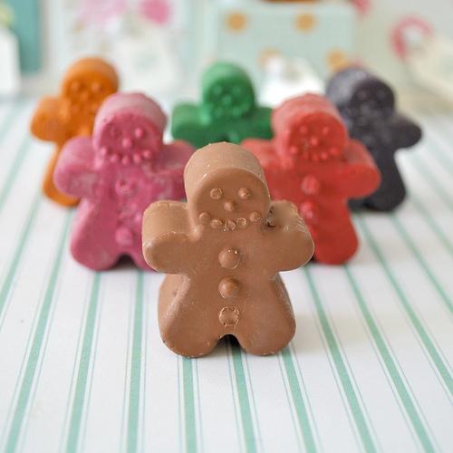 gingerbread crayons (via toriejayne)