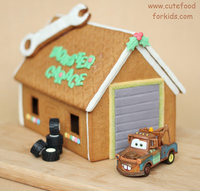 gingerbread cookies garage (via cutefoodforkids)