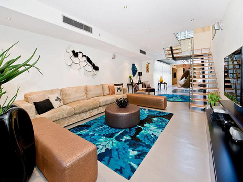 Cool apartment with a pool in a living room shelterness - Cool rooms with pools ...