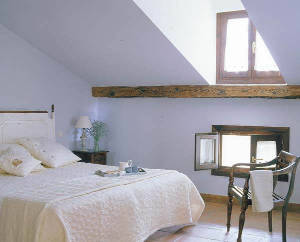 50 Cool Attic Bedroom Design Ideas Photo 17