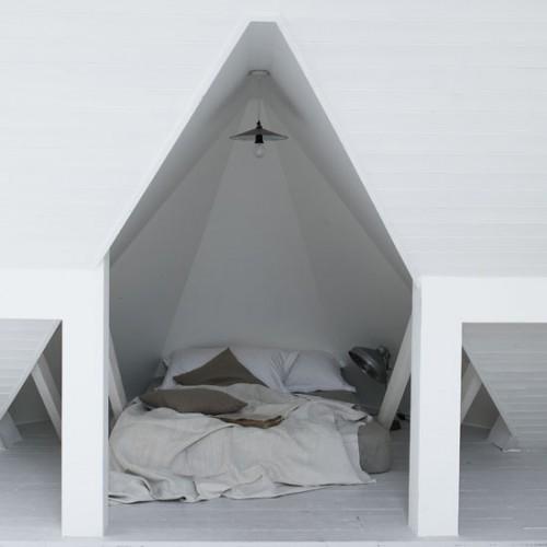 Attic Bedroom Designs. Bed