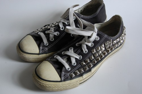 DIY Studded Converse All-Star (via transientexpression)