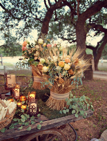 Wheat, a staple of the American farm, makes simple yet striking piece of fall decor, especially mixed with fresh flowers.