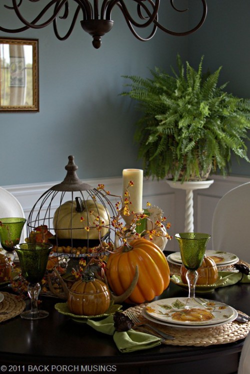 81 cool fall table decorating ideas shelterness for Pictures of fall table decorations