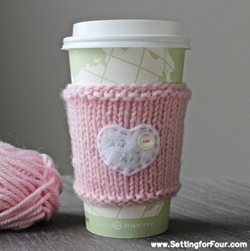 Valentine's heart cup cozy (via shelterness)