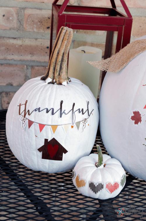 thankful pumpkins (via blitsycrafts)