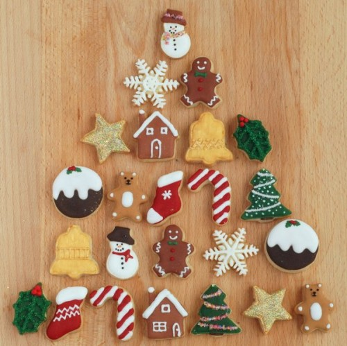 Christmas cookies advent calendar (via craftstorming)